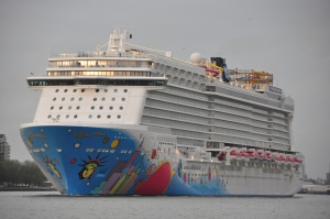 Norwegian Breakaway April 2013